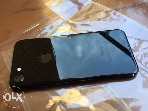 iphone 7 jet black 128G المهندسين -  1