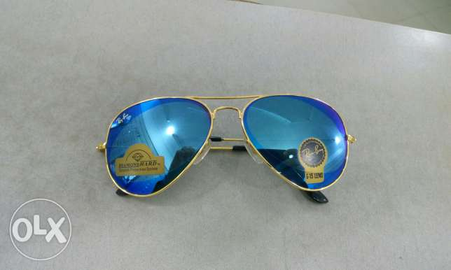 Ray ban with blue mirror lenses