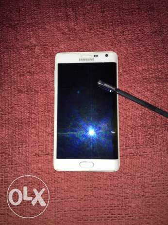 note edge white very good condition المقطم -  2