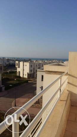 Amwaj Chalet Penthouse with roof Sea view