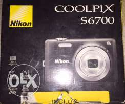 Nicon coolpix camera 20.1 Mp. zoom 10x