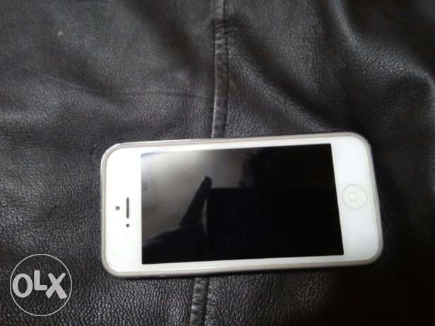 Iphone5 16GB المنيل -  6