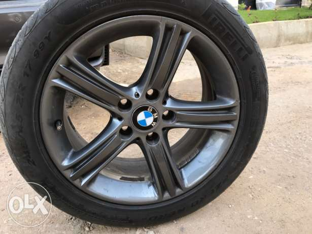 Original Bmw shadow line Star alloy 17 rims with tires