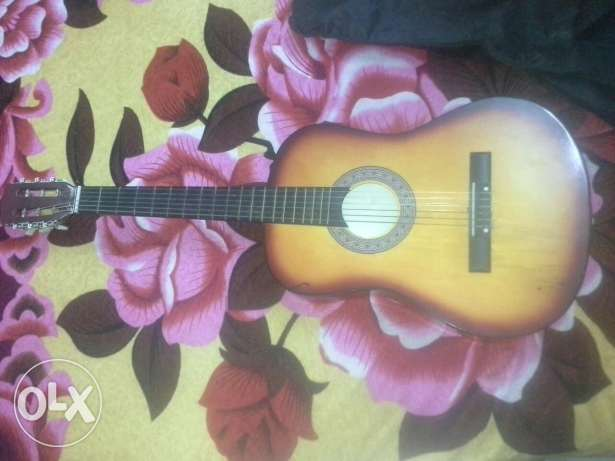 Guitar like new with case