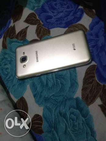 Samsung j7 for sell 16 gb