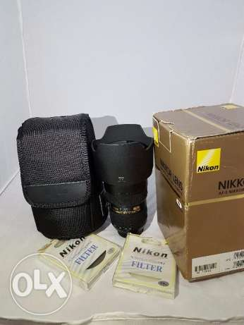 Mint condition Nikon 24-70mm F2.8G ED Like new+2filters