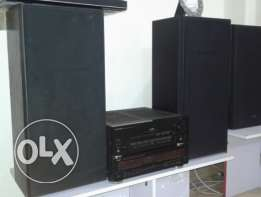 In hi condition pioneer private sound system with original speakers 30