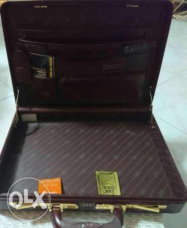 Presto briefcase Burgundy gold plated شيراتون -  3