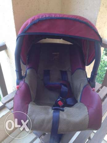 carrycot and car seat