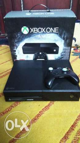 Xbox one in a good condition hard 1 tera like new