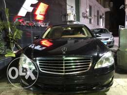 2009 Mercedes S550 black mint condition