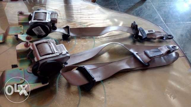 Car Side Mirror Covers and a pair of seatvbelts حى الجيزة -  7