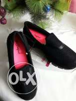 Black flat shoes