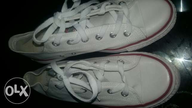 White and black all star converse size 41 المعادي -  2