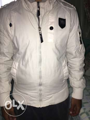 White jacket , size large (fits medium ) مصر الجديدة -  2
