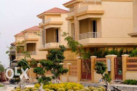 saperate Vila in compound located el sheikh Zaied