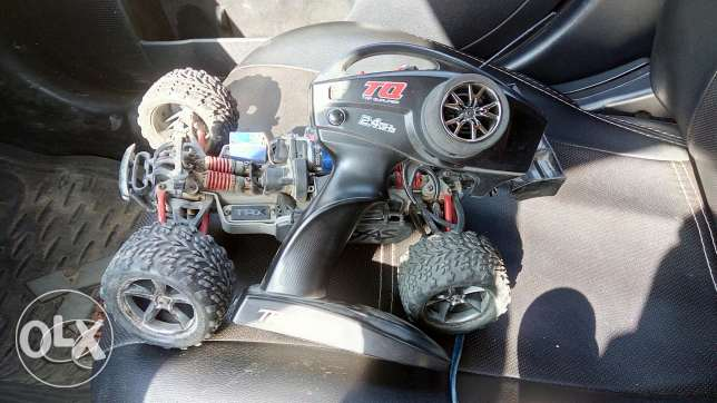 Rc car 4x4 traxxas e-revo 1/16 brushless motor