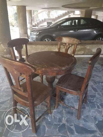 Sturdy Table & 4 chairs
