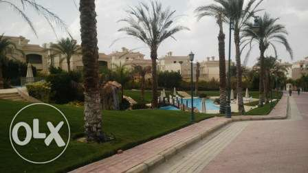 villa tween for sale in patio El Sherouk 1 وسط القاهرة -  3