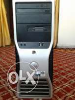 dell workstation 490 كيسه فيها 2 بروسيسور و رمات 4 و كارت شاشه 2