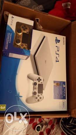 NEW white ps4 pro + NEW gold controller
