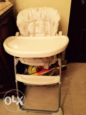 high food chair with levels & toy basket المقطم -  1