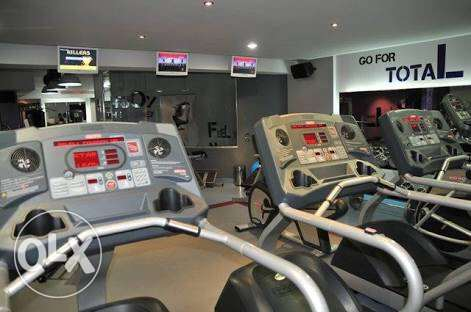 4 treadmill startrac original for sale