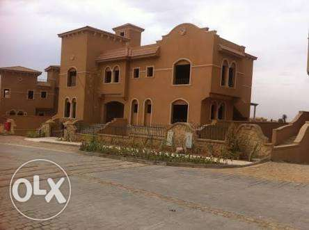 توين هاوس 620 م للبيع كمبوند لينا سبرنجز Leena Springs Twin House
