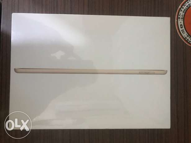 Brand new Ipad fifth generation 32GB الدقى  -  1
