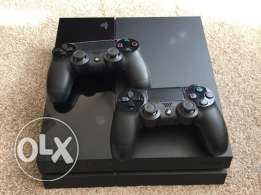 PS4 + 2 controllers + 3 CDS