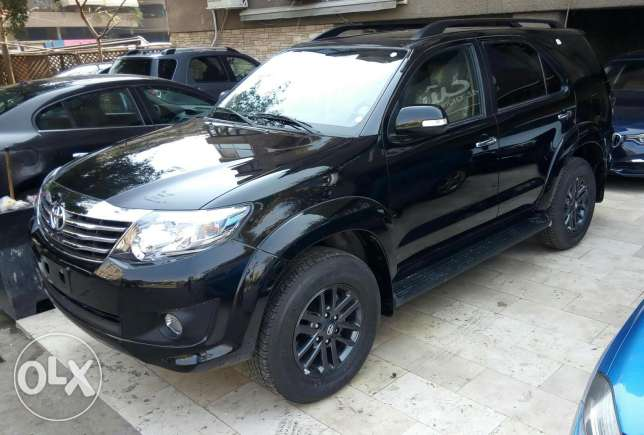 Toyota Fortuner 4.0 V6 model 2017