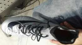 Nike Football shoes ((used 1 time )) size 41