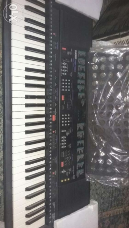Yamaha piano psr-400 psr-500 zero just tested for a few times