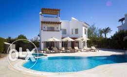 4 Bedrooms White Villa With Heated Pool for Rent in El Gouna