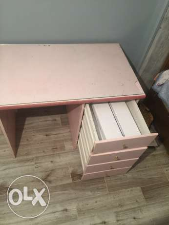 pink desk for sale مدينة نصر -  2
