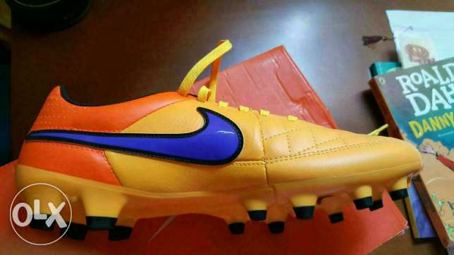 New Nike football shoes with box مدينة نصر -  2