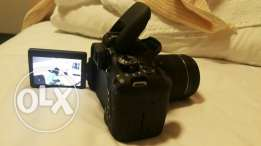 CANON EOS 750D DSLR Camera with 18-55 mm f / 3.5-5.6 IS STM Zoom Lens
