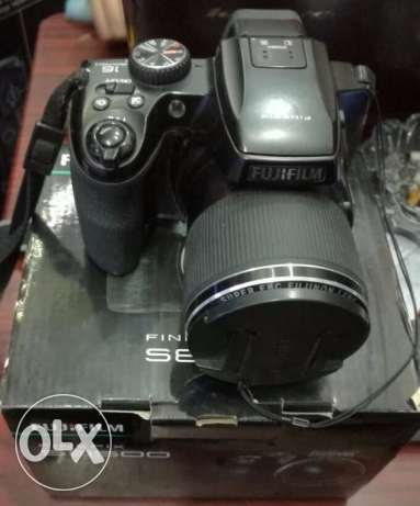 كاميرا فوجى :Fujifilm FinePix S8500 16 MP Digital Camera 46x Zoom