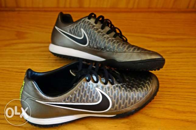 Nike InDoor FootBall Shoes (Majista Onda TF) >> Used once (ٍsize 42)