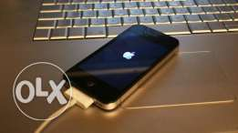 iphone 4 . 32gega very good