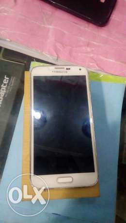 S5 32GB with box and original charger