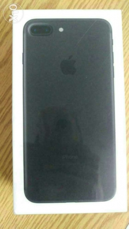 I phone 7 plus (black)128 gb with face time 6 أكتوبر -  1