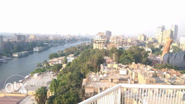 Nile view apartment for sale in Zamalek 300 m 3 bedrooms