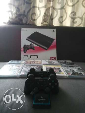 Ps3 in a perfect condetion with 2 dualshock control with 6 cd's 3500