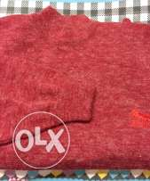 Red pullover (women)