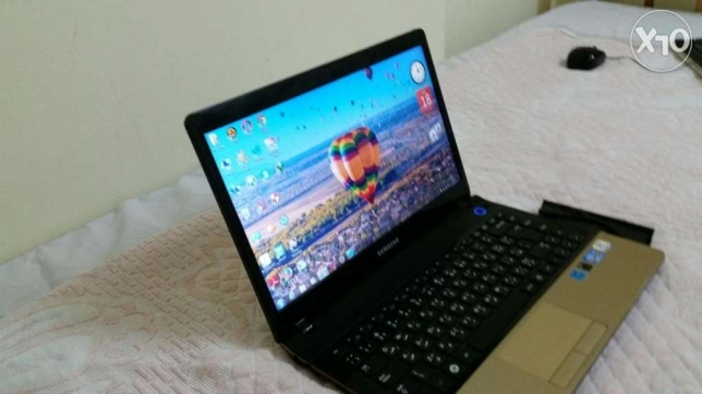 Samsung laptop core i5 very good condition hard 320 ram 4g