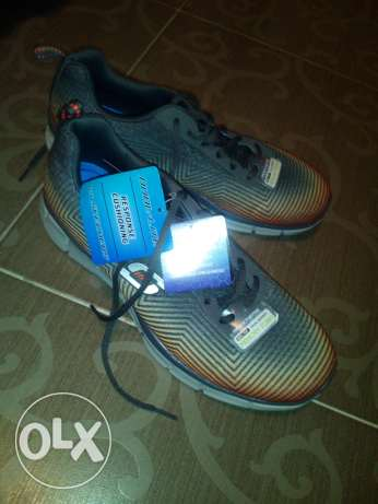 Sketchers shoes brand new light weigth foam 43 وسط القاهرة -  2