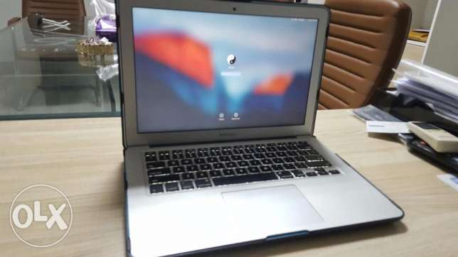 mac book air i7 8GB Ram