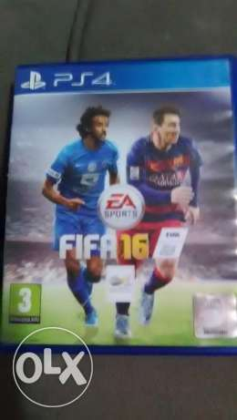 FIFA 16 and PES 16 Arabic Edition PS4 CDs