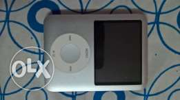 Apple iPod nano 4 GB 3rd Generation (Silver